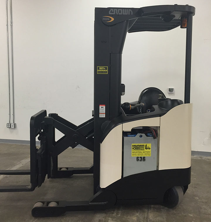 Narrow Aisle Reach Truck